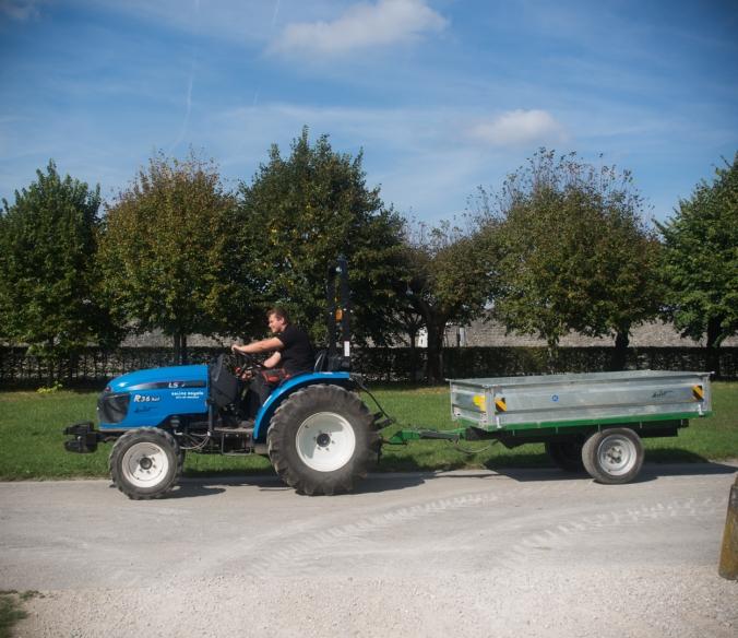 aurelien-en-tracteur
